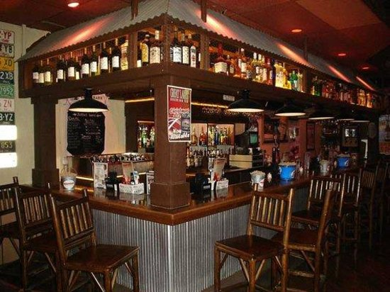 Brown Derby Road House: Bar
