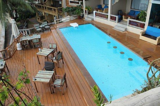 Crystal Bay Beach Resort: Бассейн отеля