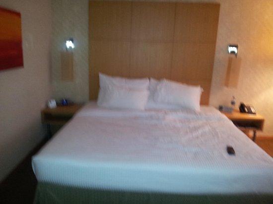 Novotel Singapore Clarke Quay: Room - bed
