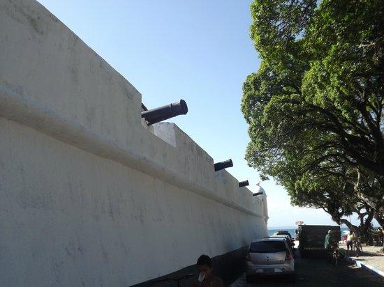 Passeio às Ilhas : forte na ilha de itaparica