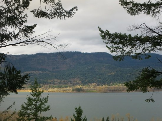 Columbia River Gorge National Scenic Area: View from trail near Wahkeena Falls