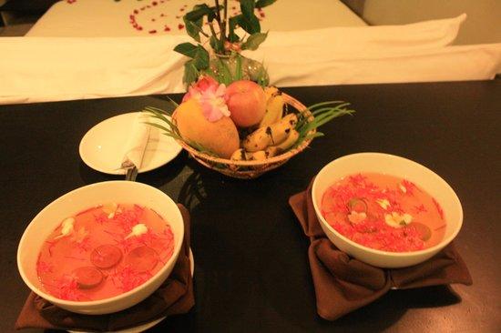 Bunwin Boutique Hotel : Siempre nos dejaban frutas y aguas perfumadas