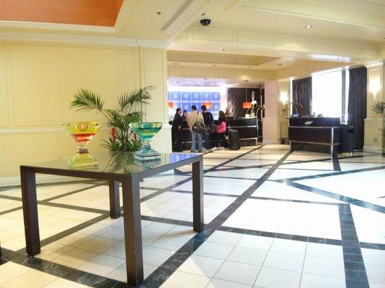 Hilton Pasadena: ロビー