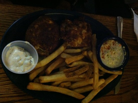 Captain's Table: Crab cake dinner