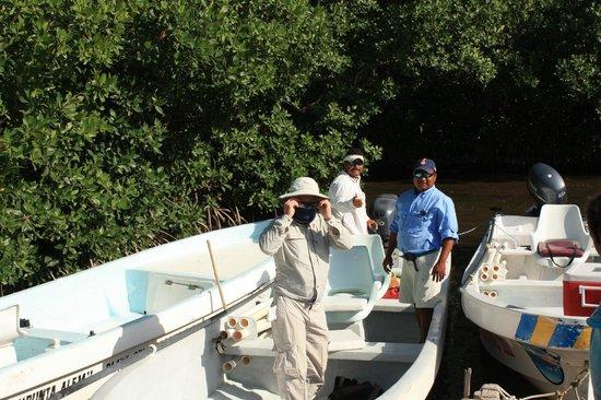 Fisherman Fishing Lodge : Preparing for a grand day of fishing