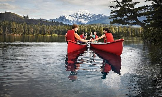 Kanadische Rockies, Kanada: Canoeing in summer - Jasper national Park