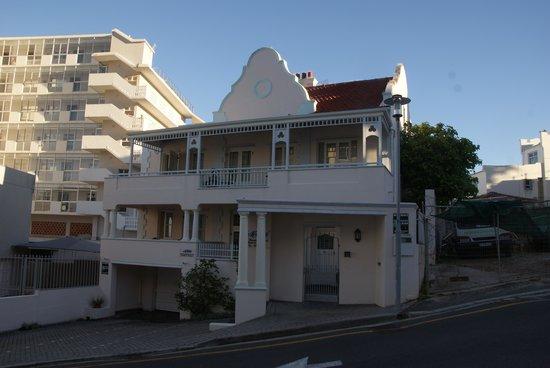 Avanti Guesthouse: The front of Avanti