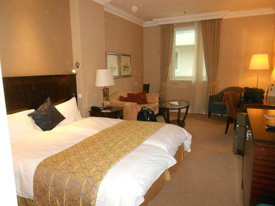 Corinthia Hotel Budapest: Hotel Room