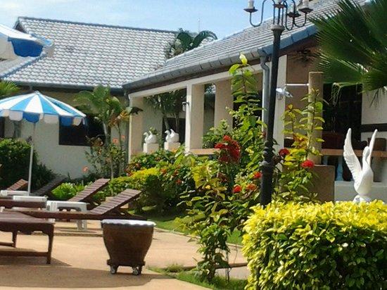 Christiane's blue residence: La maison