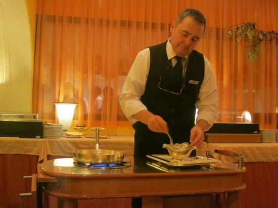 Sheraton Padova Hotel: service in restaurant