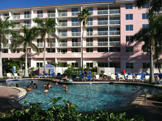 Palm Beach Shores Resort and Vacation Villas: View of pool from restaurant