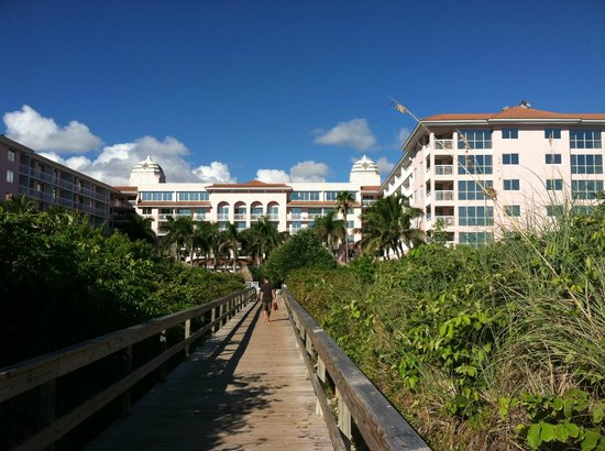 Palm Beach Shores Resort and Vacation Villas: view of boardwalk from the beach