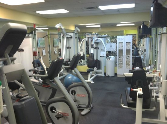 Palm Beach Shores Resort and Vacation Villas: Large weight room