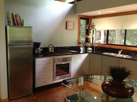 ecOasis Resorts: Hidden Retreat kitchen, very handy