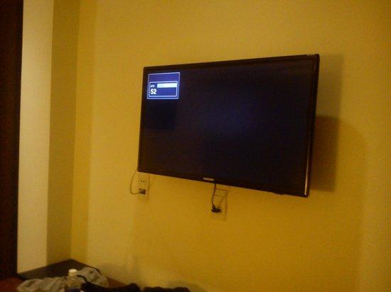 Dinh Phat Hotel: great TV Cabel