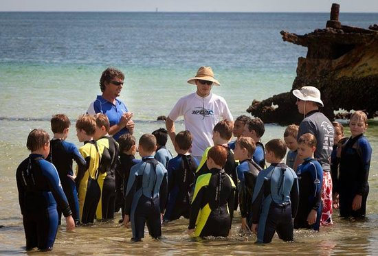 Trailblazer Day Tours: Aquatic Education