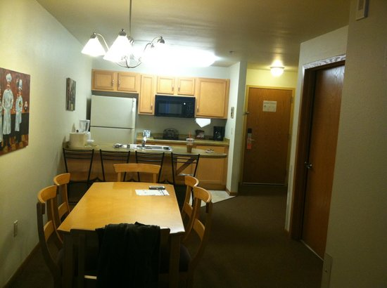Timber Ridge Lodge & Waterpark: Dining/Kitchen Area