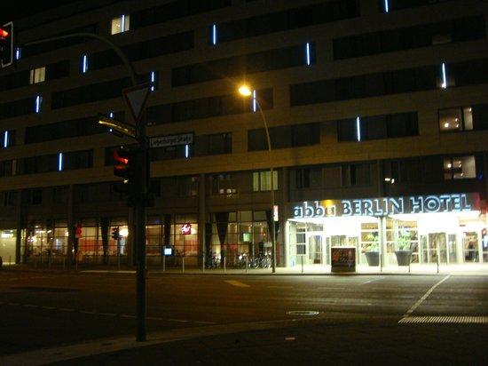 Abba Berlin Hotel: Por fuera