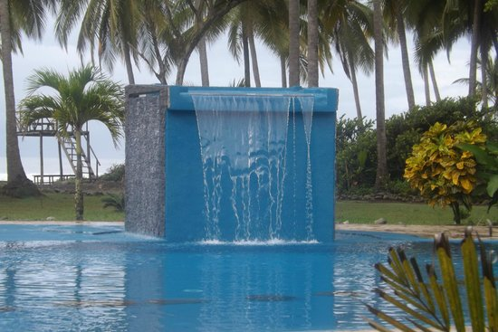 Clandestino Beach Resort : pool water fall