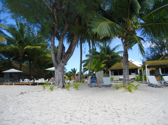 Crown Beach Resort & Spa: The perfect setting for a cocktail...