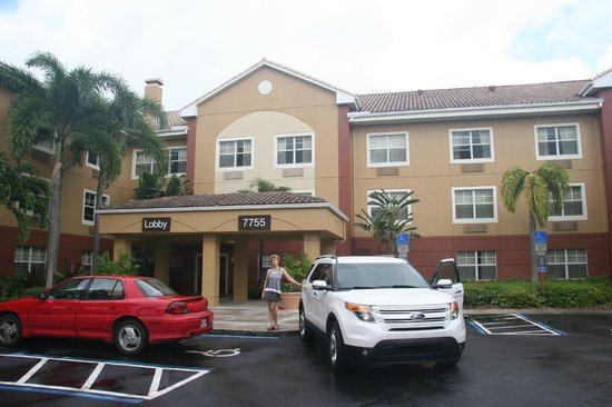 Extended Stay America - Fort Lauderdale - Plantation: Front of hotel