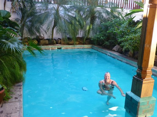 Miss Margrit's Guest House : refreshing pool