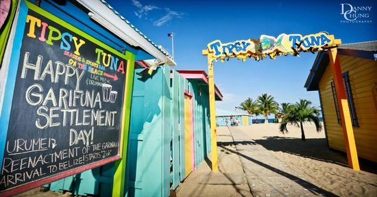 Your entrance to the Tipsy Tuna Seaside Bar & Sports Bar!