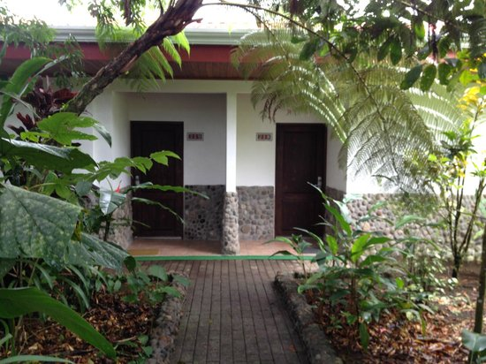 Volcano Lodge & Springs: face of the rooms