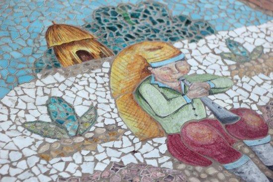Lloyd's Baia Hotel: Напольное покрытие из мозаики в виде причудливых картинок
