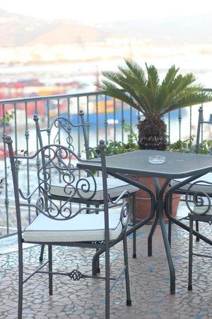 Lloyd's Baia Hotel: Терраса отеля