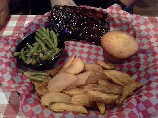 Famous Dave's: Ribs