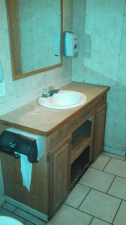 Lake Laurie RV and Camping Resort: Bathroom