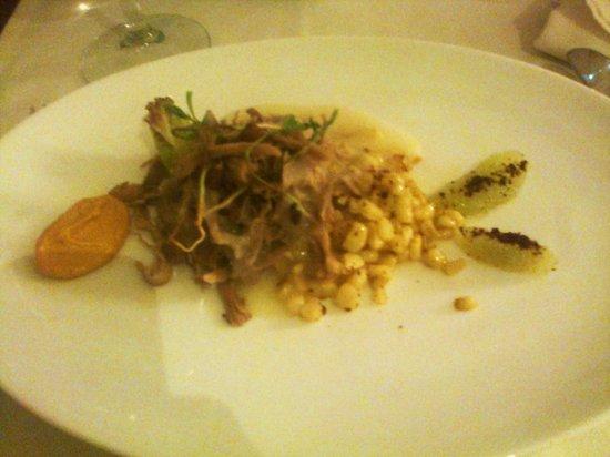Cinco Cocina Urbana: interpretación de esquites con pato y aderezo de chipotle
