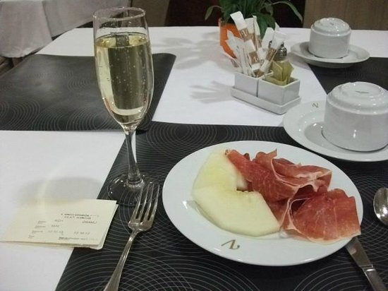 Leonardo Hotel Granada: Cava de manana
