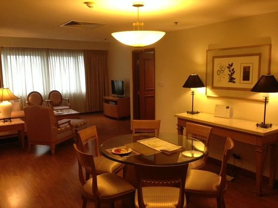 Sedona Suites Ho Chi Minh City : Dining Area