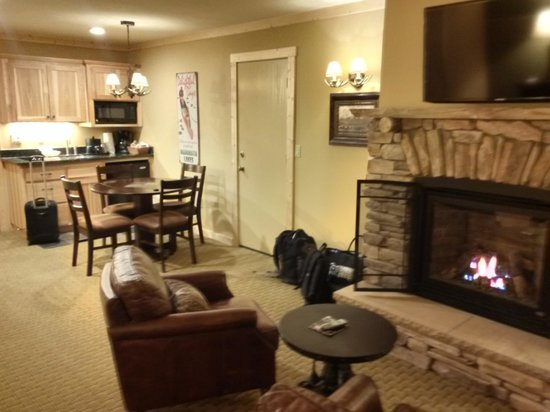 Sierra Nevada Resort & Spa: Fireplace Suite