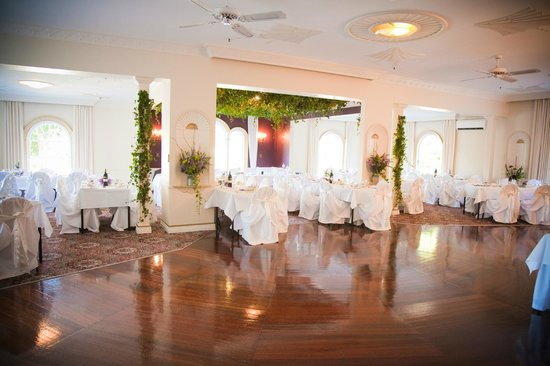 Wallaceville House: Our ballroom all set for another amazing wedding reception