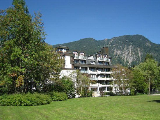 AMBER RESIDENZ Bavaria: Отель на фоне гор