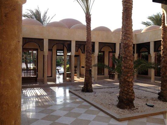 Tamra Beach: Hotel Reception Area