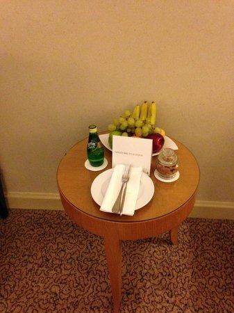 InterContinental Hotel Jeddah : Fruit Basket
