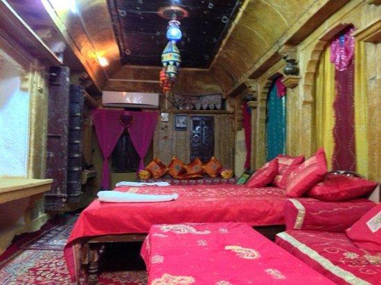 Desert Haveli Guest House: Beautiful Saahi rooms