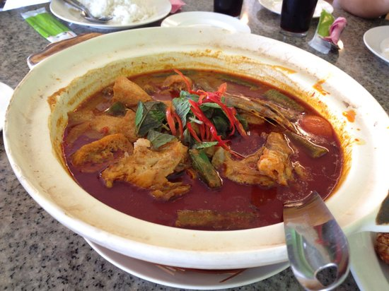 Restoran Assam House: Fish head curry.... yummy!