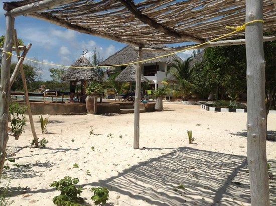 Mbuyuni Beach Village: the hotel ground