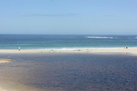 Beachside Prevelly Villas : Beautiful beach at River Mouth