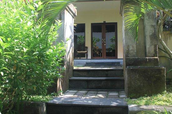 Champlung Sari Hotel : Номер бунгало