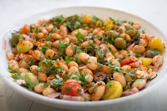 Tin Roof Cafe : Butter beans, roast tomato and paprika