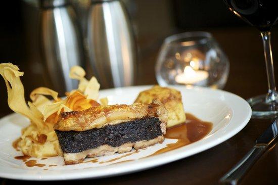 Nevis Bank Inn: Pork Belly & Black Pudding