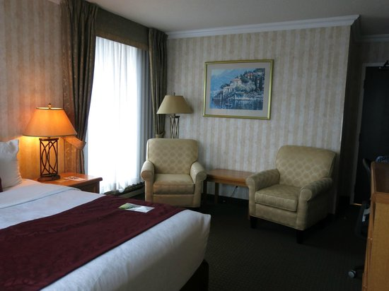 Best Western Plus Inner Harbour : Queen Corner Room 1