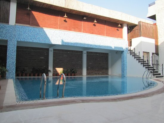 The Marwar Hotel & Gardens : pool (room view as well)