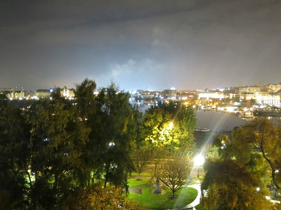 BEST WESTERN Plus Inner Harbour: Queen Corner Room  - Balcony View 2